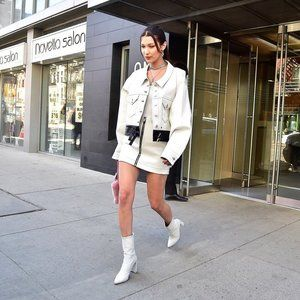 STUART WEITZMAN The Clinger Booties in White